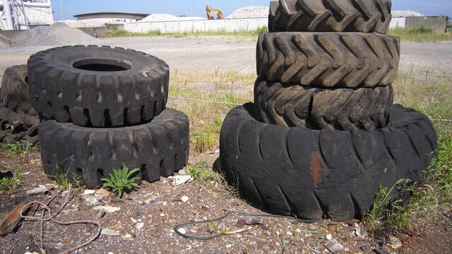 タイヤがパンクする原因